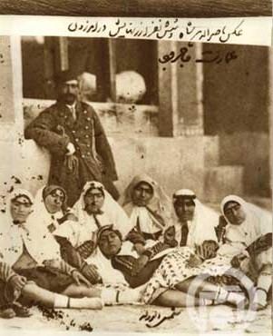 ناصرالدین شاه و ۶زنش!( عکس)