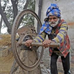 پیرترین بابای دنیا + عکس