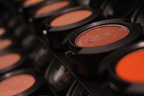 ترفندهای زیرکانه در آرایش زنانه / زیباتر از قبل شوید