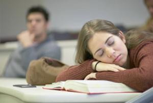 ۱۰ دقیقه در طول روز بخوابید