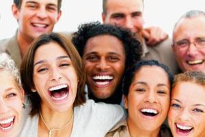 دلایل لبخند به غریبه ها