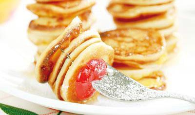 طرز تهیه پنکیک سیب با عسل