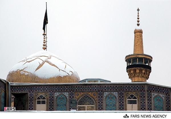 عکس های زیبای از گنبد برفی حرم امام رضا (ع)