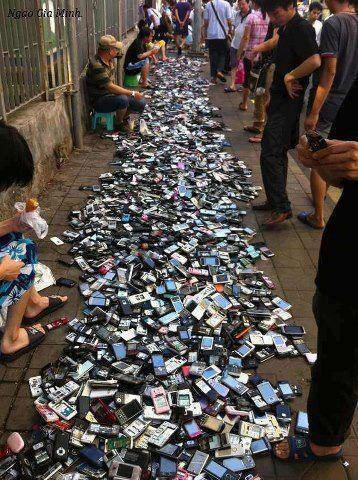 عکسی عجیب از بازار موبایل
