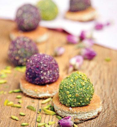 طرز پخت حلوای گل محمدی