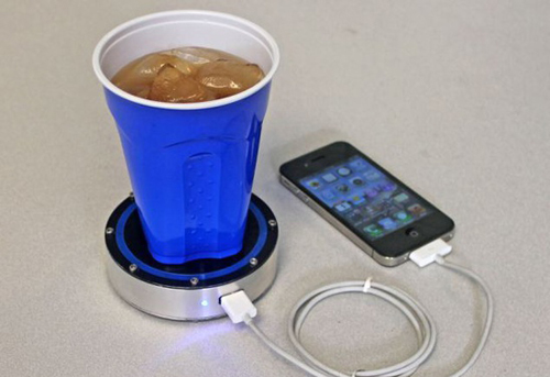 با چای و نوشابه موبایلتان را شارژ کنید + عکس