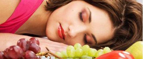 مواد غذایی مفید و مضر برای خواب