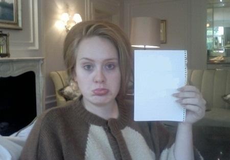چهره بدون آرایش آدل خواننده مشهور انگلیسی + عکس