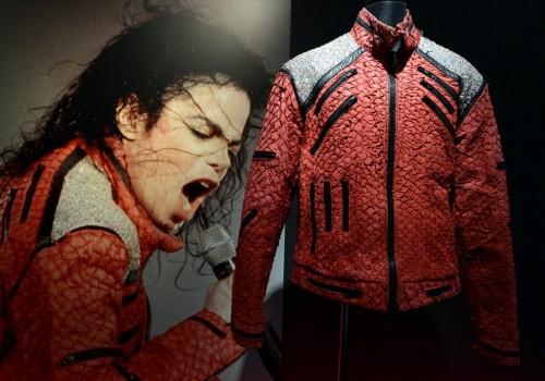 نمایشگاه لوازم شخصی مایکل جکسون در توکیو ژاپن+ عکس های جالب