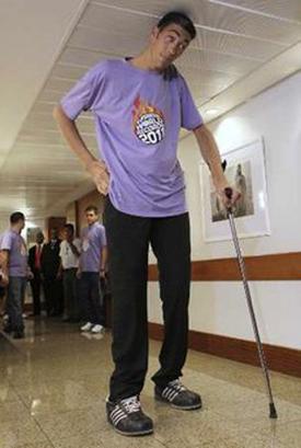 ادعای جدید بلند قدترین مرد جهان
