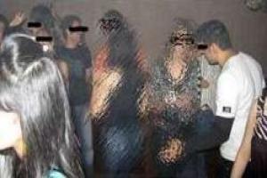 خبر فرار مجری مشهور صدا و سیما از دیوار در عروسی مختلط