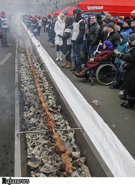 طولانی ترین سیخ کباب به طول ۱۶۱ متر