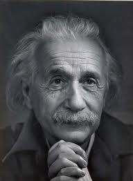 پندهای زیبا از دانشمند بزرگ آلبرت اینشتین