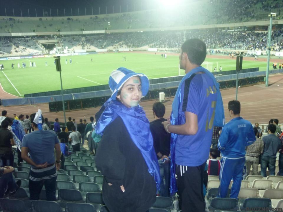 294 دختر جوان تماشاگر دیدار استقلال برابر الهلال در ورزشگاه آزادی