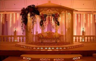 جایگاه های بسیار زیبای عروس و داماد