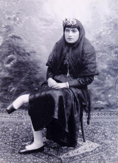 اولین روزنامه نگار زن ایران که بود؟