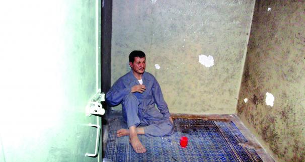 هاشمی رفسنجانی در زندان ساواک+عکس