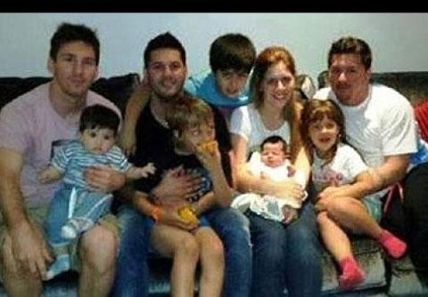 2 170643 779 عکس مسی و خانوادهاش