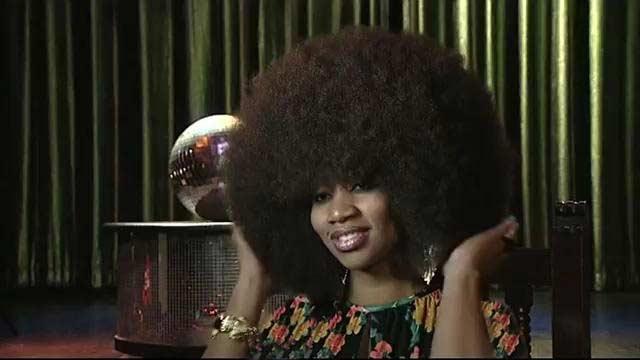 این زن رکورد دار پرپشتترین موی سر دنیاست + عکس
