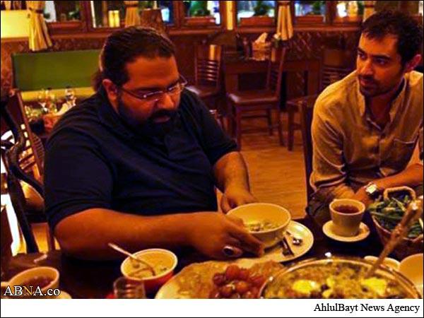 شهاب حسینی و رضا صادقی در حال صرف افطاری+عکس