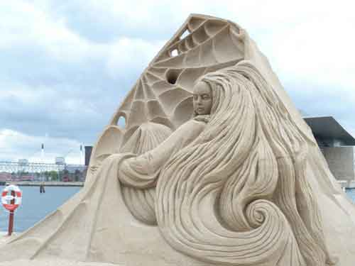 تصاویر زیبا و خارق العاده از مجسمه های شنی