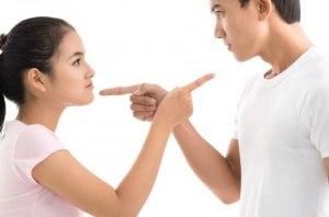 9 رفتار غلط خانم ها که روی اعصاب مردان است!!