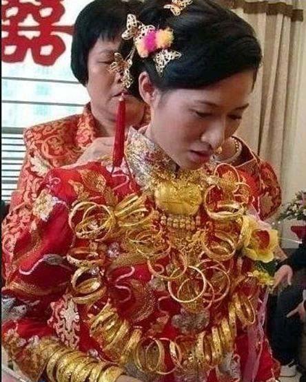 عروسی خانومی که با ۶ کیلو طلا به منزل شوهرش رفت! +عکس