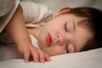 بهترین راه برای خوابوندن کودک