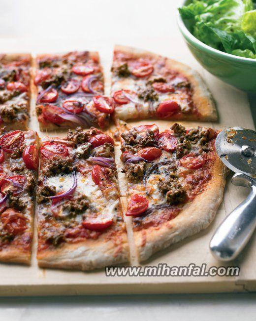 طرز تهیه پیتزای همبرگر و گوجه