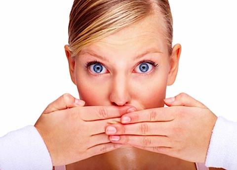 چگونه متوجه بوی بد دهان خود شویم؟