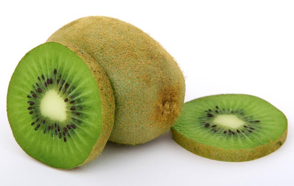 این میوه را با پوست نخورید!