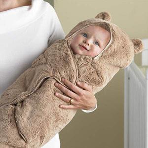 آیا قنداق کردن نوزاد اشتباه است؟