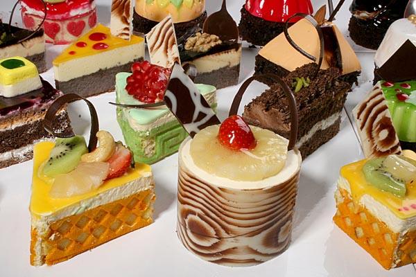 شیرینی های خوشمزه اما مضر!