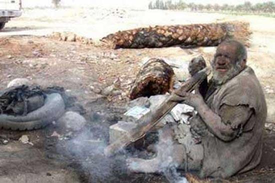 مردی که یک قرن حمام نرفته است! +عکس