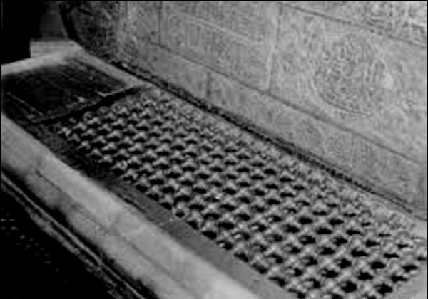 قدیمیترین عکس از گودال قتلگاه امام حسین(ع)