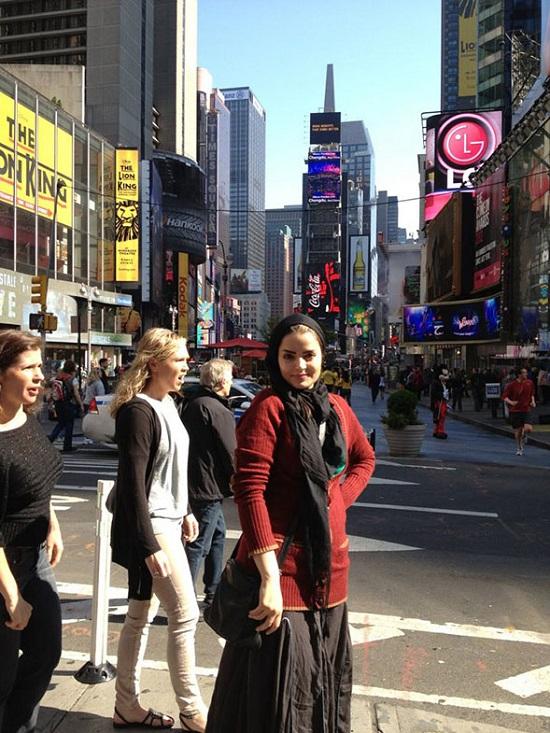 پوشش بازیگر زن ایرانی در آمریکا +عکس