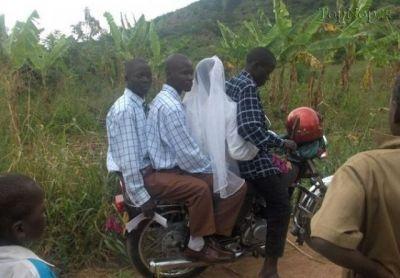 ماشین عروس به سبک آفریقایی /عکس