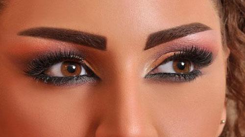 نمونه-هایی-از-آرایش-بعد-از-برنزه-کردن-پوست-1