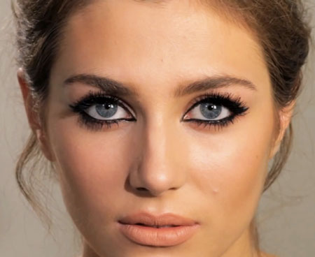 MAC-Pro-Longwear-Eye-Liner_Feline-eye-or-cat-eye_Charlotte-Tilbury