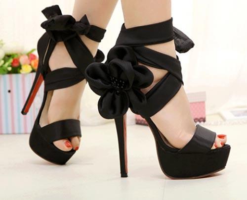 مدل کفش مجلسی دخترانه و پاشنه دارمدل کفش مجلسی دخترانه