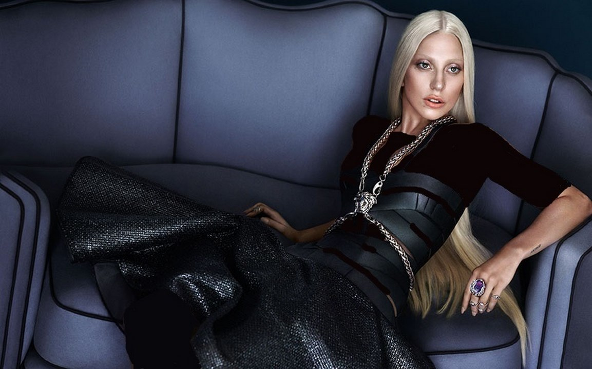 جدیدترین مدل ها و مارک های لباس و کیف ورساچ