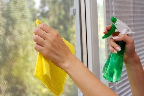 نکاتی مهم برای تمیز کردن شیشه پنجره ها
