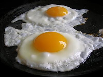 7 دلیل واجب برای خوردن تخم مرغ در صبح