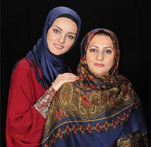 نیلوفر پارسا بازیگر سریال آوای باران در کنار مادرش /عکس