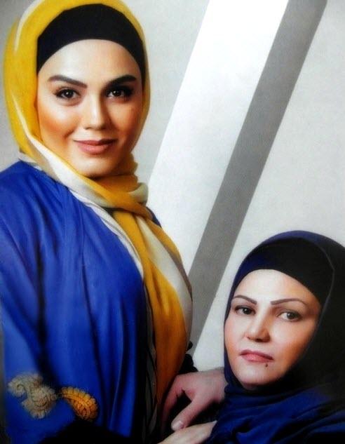 آزاده زارعی در کنار مادر و برادرش /تصاویر
