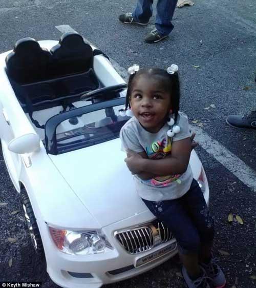 جریمه شدن دختر 2 ساله توسط پلیس +عکس