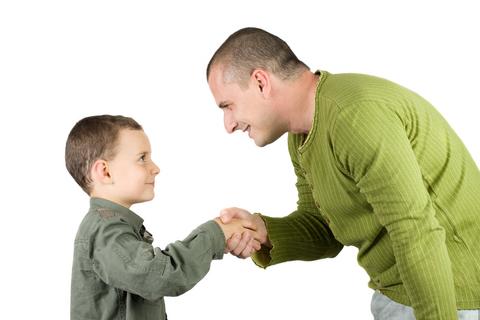 ۵ چیزی که نباید به بچه ها گفت