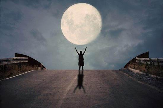 بازی با ماه /تصاویر