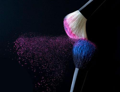 نحوه صحیح تمیزکردن قلم موهای آرایشی تان را میدانید؟