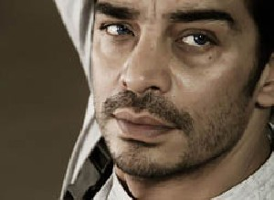 بیوگرافی کیکاووس یاکیده بازیگر نقش اصلی هوش سیاه